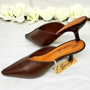 NWT SEVEN7 BROWN MULES